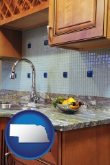 ne map icon and a granite countertop